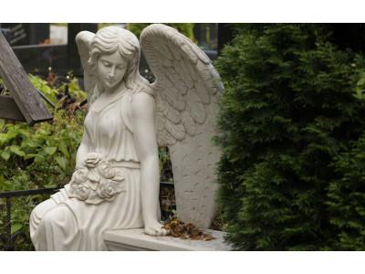 Ангельская тематика в надгробиях
